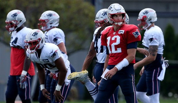 86da8c95 Reserves Dazzle, Starters On-Hand For New England Patriots' V ...